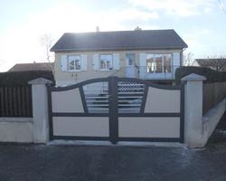 Menuiserie Gruet - Châtillon-sur-Seine - Portail aluminium 2 vantaux et portillon aluminium