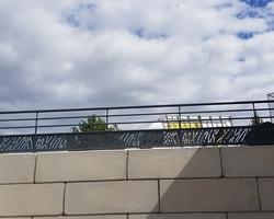 Menuiserie Gruet - Cainte-Colombe-sur-Seine - Garde corps aluminium remplissage tôle découpe laser